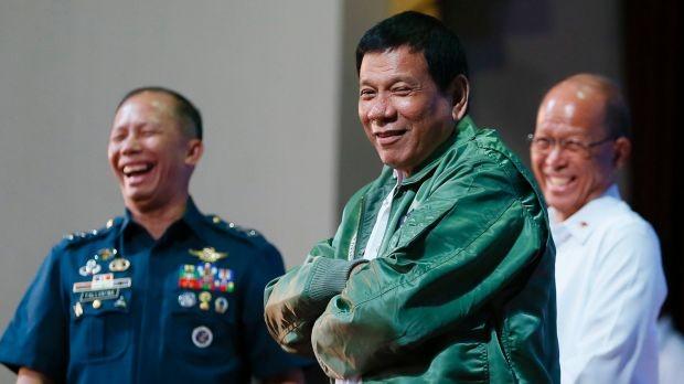 Ông Duterte khiến giới quan sát luôn bị bất ngờ với những hành động và phát ngôn khó lường