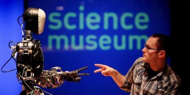 Robot BERTI trưng bày tại Bảo tàng Khoa học London (Anh) - Ảnh: AFP