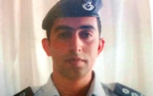 Phi công quân đội Jordan Muath al-Kasaesbeh rơi vào tay IS từ tháng 12/2014 khi máy bay anh này lái bị rơi trong chiến dịch đánh bom do liên quân thực hiện. Ảnh: Telegraph.