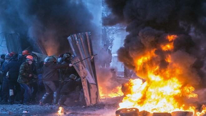 Cuộc biểu tình tại quảng trường Maidan hồi đầu năm 2014 đã nhanh chóng biến thành bạo động.