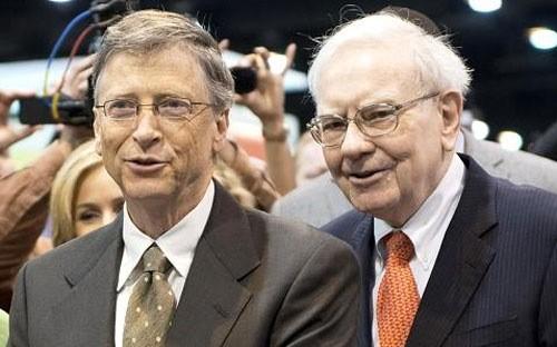 Hai tỷ phú Mỹ Bill Gates (trái) và Warren Buffett - Ảnh: Bloomberg/Getty/CNBC.