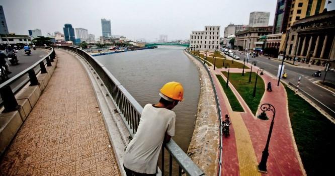 Việt Nam đứng thứ 8 trong danh sách các thị trường cận biên tiềm năng nhất. Ảnh: Bloomberg