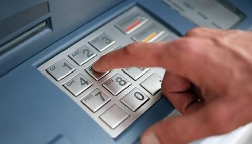 Các ngân hàng tại 30 nước đang là nạn nhân của một vụ tấn công chưa từng có. Ảnh: AFP