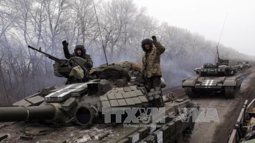 Binh sĩ quân đội Ukraine tại Debaltsevo, vùng Donetsk miền Đông Ukraine ngày 14/2. Ảnh: AFP/TTXVN