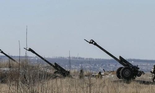 Pháo binh Ukraine bố trí ở Debalsevo