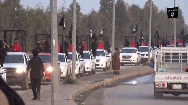 IS tung video chiến binh người Kurd bị nhốt trong lồng sắt