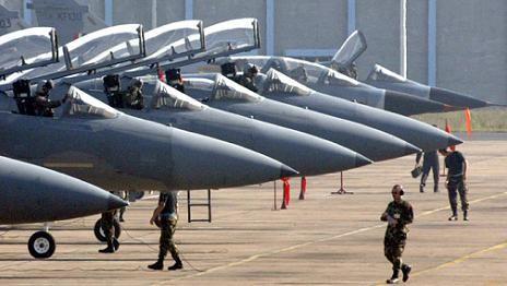 Mỹ triển khai hàng loạt chiến đấu cơ đến Châu Âu đối phó với Nga