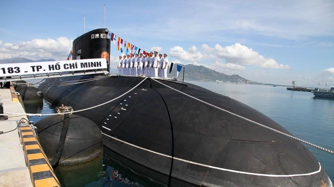 Tàu ngầm Kilo lớp 636.1 HQ 183 Tp- Hồ Chí Minh