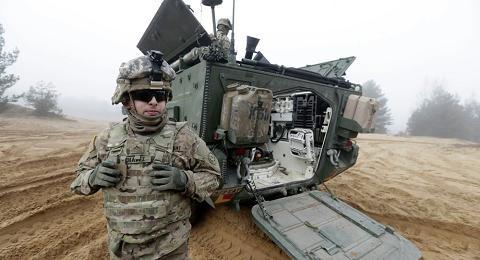 NATO đối mặt với cảnh báo cứng rắn của Nga