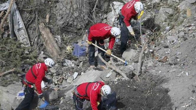 Tai nạn máy bay Germanwings: Càng điều tra càng choáng