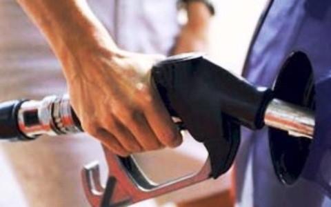 Giá xăng, dầu tăng cao nhất kể từ đầu năm 2015