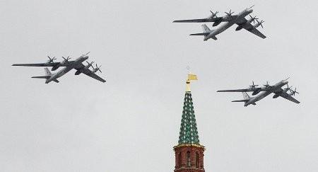 """Ván bài quân sự Nga - Mỹ: """"Ông ăn chả, bà ăn nem"""""""