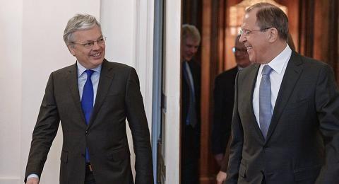 Ngoại trưởng Bỉ (bên trái) và Ngoại trưởng Nga