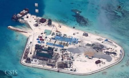 Báo Philippines đăng ảnh TQ cải tạo bãi đá ở Trường Sa