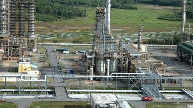 Nhà máy Lọc dầu Dung Quất đang gặp khó khăn trong tiêu thụ sản phẩm làm ra