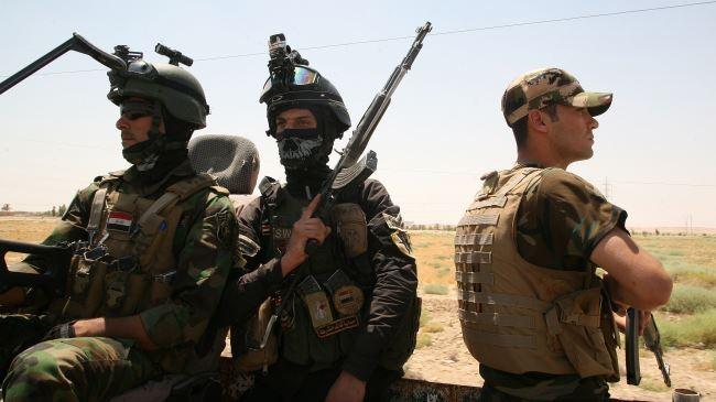 Binh sĩ Iraq tuần tra tại Ramadi.