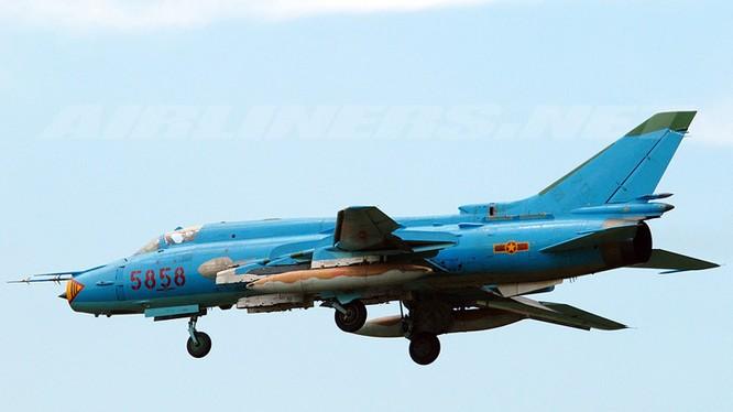 Huy động lực lượng tìm kiếm phi công và 2 máy bay Su-22