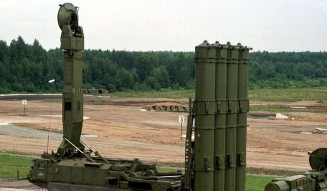 Hệ thống tên lửa đất đối không S-300 của Nga