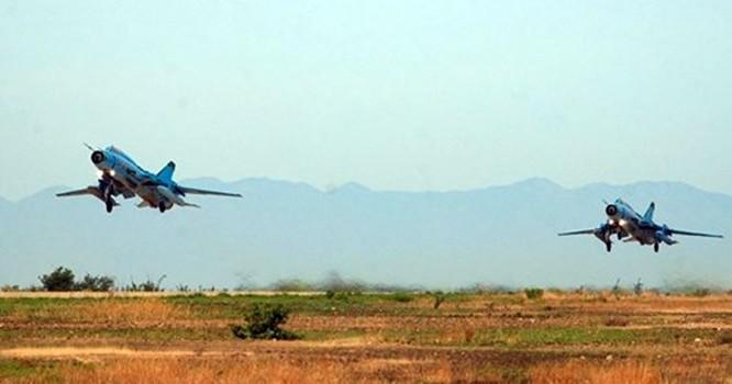 Máy bay Su 22M4 bay huấn luyện