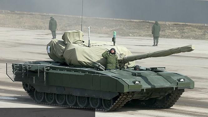 Theo thông tin từ Bộ quốc phòng Nga, sẽ có 10 xe tăng T-14 tham gia duyệt binh.
