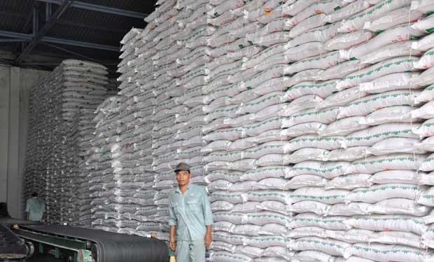 Xuất sang Trung Quốc sụt giảm, đường vẫn tồn kho hơn 560.000 tấn