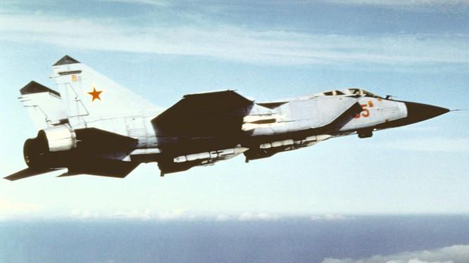MiG-31 thuộc Không quân Nga