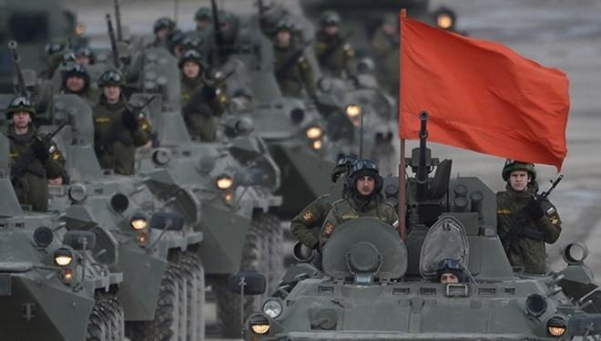 Đoàn diễu binh hùng mạnh của quân đội Nga.
