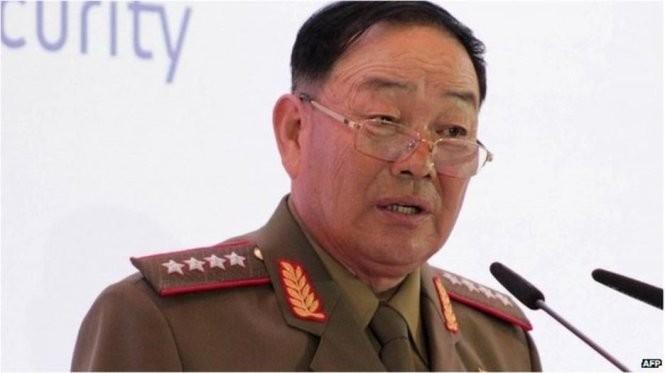 Theo giới quan sát, không khó để kiểm chứng thông tin này. Nếu ông Hyon đã bị xử tử, ông sẽ không còn xuất hiện trong thời gian tới. - Ảnh: AFP