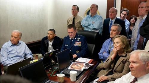 Tổng thống Obama và giới chức chóp bu trong chính quyền Mỹ trực tiếp theo dõi cuộc đột kích từ Nhà Trắng. Ảnh: BBC