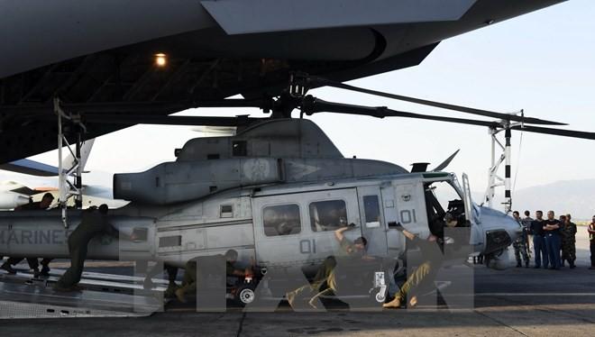 Một chiếc trực thăng Huey tại sân bay quốc tế Kathmandu. (Nguồn: AFP/TTXVN)