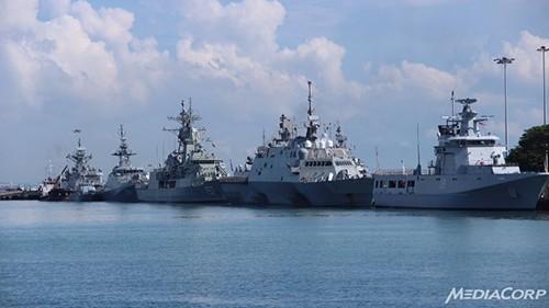 Những con tàu xuất hiện tại IMDEX Asia 2015.