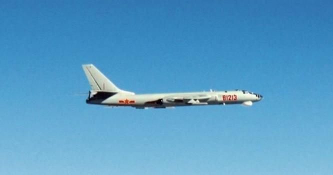 Chiến đấu cơ Trung Quốc bay gần các đảo của Nhật Bản. Ảnh: Japan Air Self-Defense Force