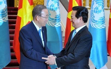 Thủ tướng Nguyễn Tấn Dũng và Tổng Thư ký Liên Hợp Quốc Ban Ki-moon - Ảnh: VGP
