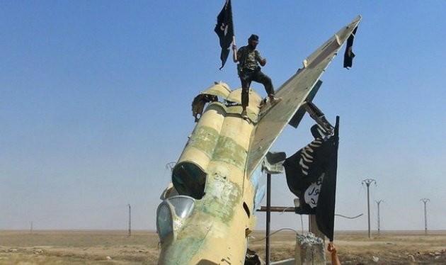 Bài báo dọa tấn công hạt nhân Mỹ được công bố vào lúc IS vừa chiếm thêm thành phố Ramadi ở Iraq và thành phố cổ Palmyra ở Syria - Ảnh: The Sunday Times