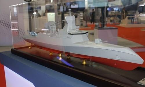 Mẫu thiết kế tàu hộ tống tên lửa C Sword 90 của Pháp được trưng bày tại triển lãm IMDEX ở Singapore. Ảnh: IHS Janes