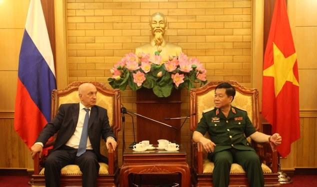 Tướng phản gián quân sự - cơ quan An ninh Liên bang Nga thăm Việt Nam