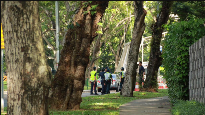 Khu vực xảy ra vụ bắn chết một người đàn ông gần khách sạn tổ chức Đối thoại Shangri-La - Ảnh: CNA