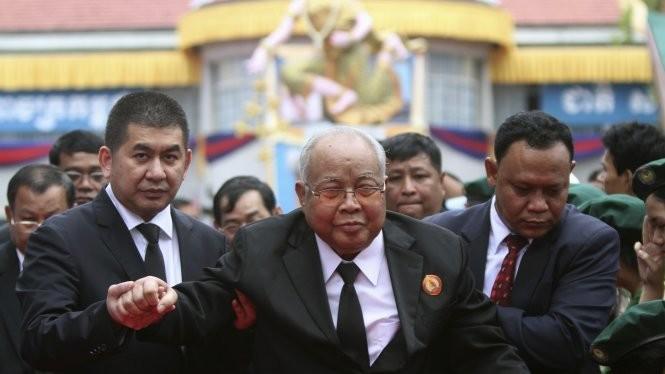 Chủ tịch Thượng viện Campuchia Chea Sim - Ảnh: Reuters