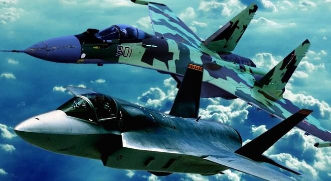 """F-35 có thể biến thành """"vịt quay"""" khi đối đầu Su-30/35?"""