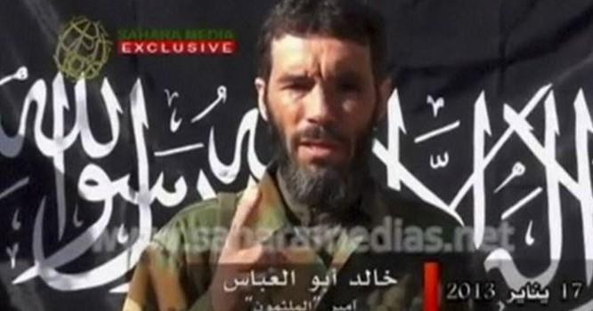 Mokhtar Belmokhtar bị cáo buộc thực hiện vụ tấn công khủng bố một cơ sở khí đốt ở Algeria năm 2013 giết chết ít nhất 37 người, trong số này có 3 người Mỹ. Ảnh Reuters