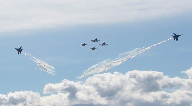 Chiến đấu cơ Nga thể hiện tại triển lãm quân sự quốc tế