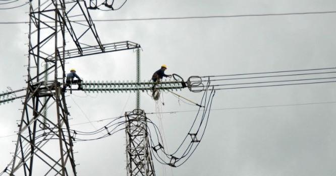 """""""Thả nổi"""" thị trường điện, EVN phải được giám sát độc lập"""