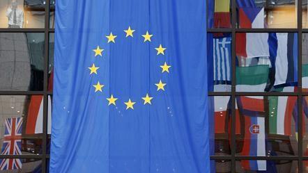 EU đau đớn ra đòn, Nga giận dữ thề trả đũa