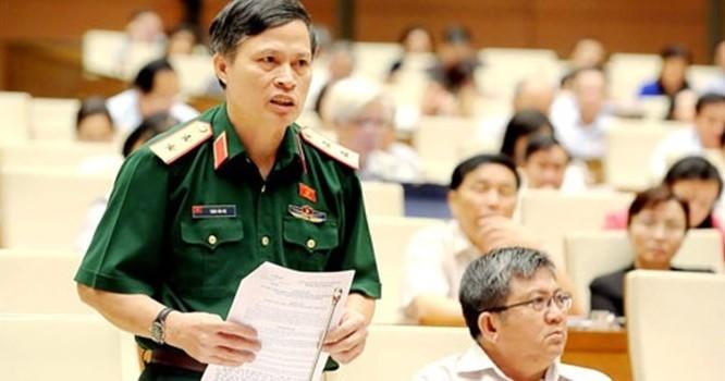 Đại biểu Trần Văn Độ đề nghị quy định thẩm quyền chéo, tức là án của huyện này thì có thể khởi kiện ở huyện khác.