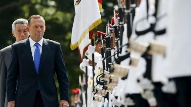 Đến thăm Singapore, Thủ tướng Úc Tonny Abbott lên tiếng cảnh báo Trung Quốc Ảnh: Reuters