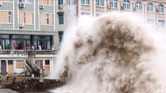 Bão Chan-Hom đổ bộ Trung Quốc, một triệu người sơ tán