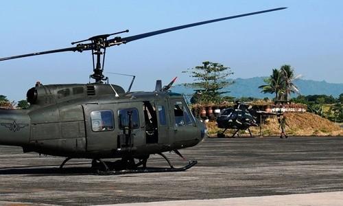Máy bay trực thăng UH-1 Huey của quân đội Philippines làm nhiệm vụ tại Mindanao. Ảnh: WSJ