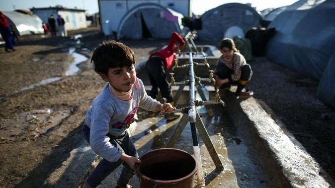 Trẻ em Syria từ Coban ở trại tị nạn trong thành phố Suruç, Thổ Nhĩ Kỳ. 01 tháng 2 năm 2015.