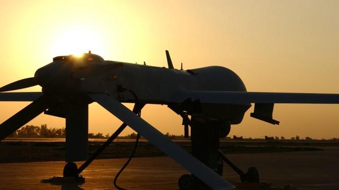 Drones trinh sát, cảnh báo và tấn công mục tiêu MQ Predator