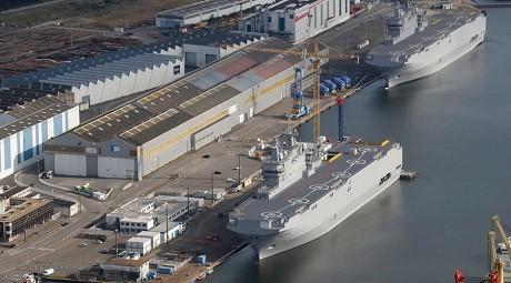 Tàu đổ bộ tấn công lớp Mistral. (Ảnh: RT)